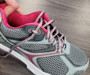 How to tie your shoe to reduce heel slippage